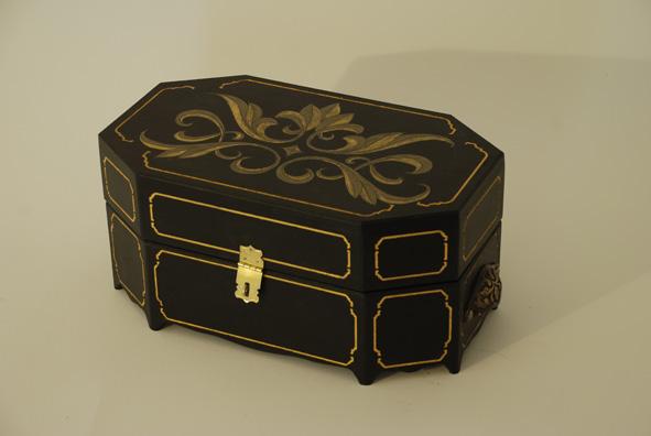 coffre a bijoux m petites curiosit s. Black Bedroom Furniture Sets. Home Design Ideas