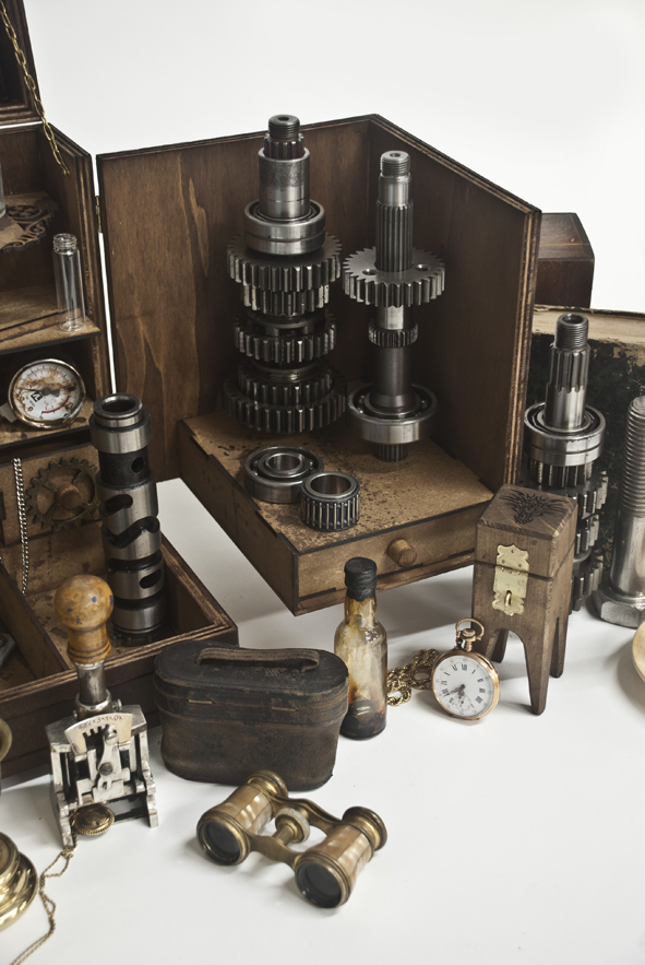 petites-curiosites-coffre-m-4-steampunk-04.jpg