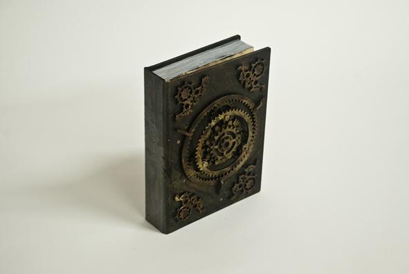 petites-curiosites-com-faux-livre-steampunk-01.jpg