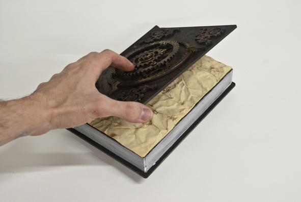 petites-curiosites-com-faux-livre-steampunk-03.jpg